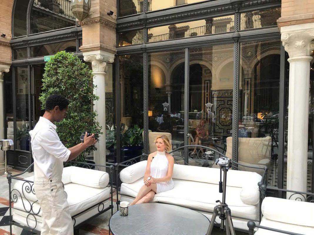 Rodaje en el Hotel Alfonso XIII  de la entrevista (vídeo promocional) de Azucena de la Fuente
